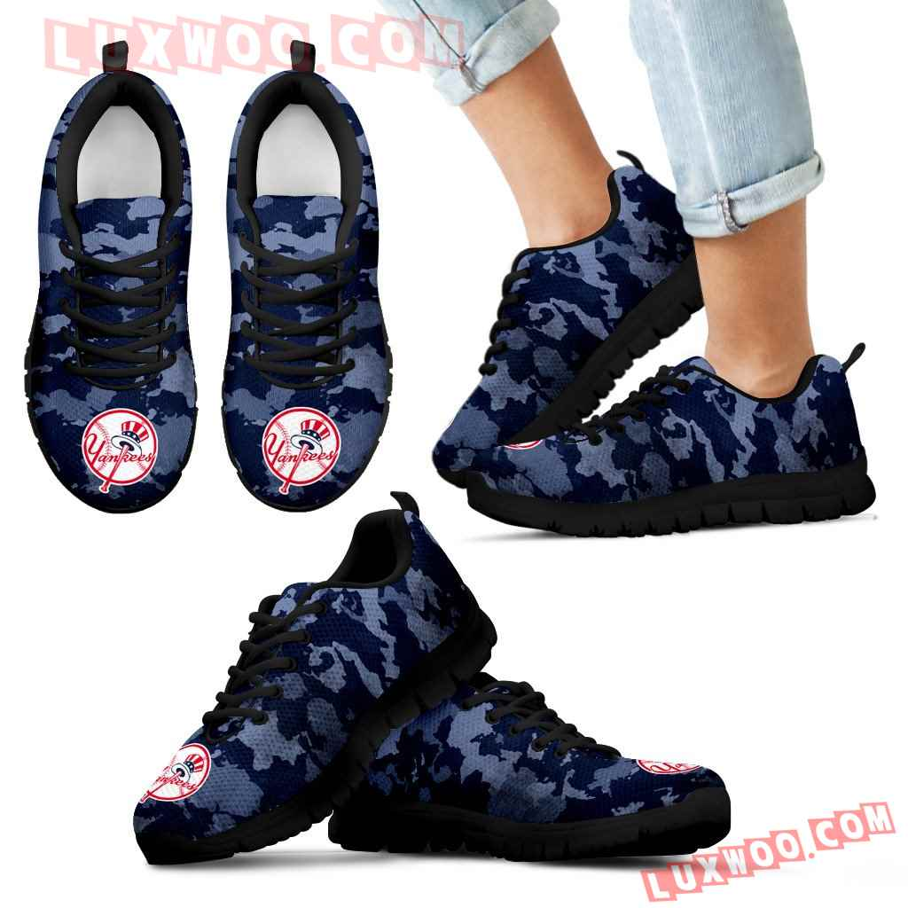 Arches Top Fabulous Camouflage Background New York Yankees Sneakers