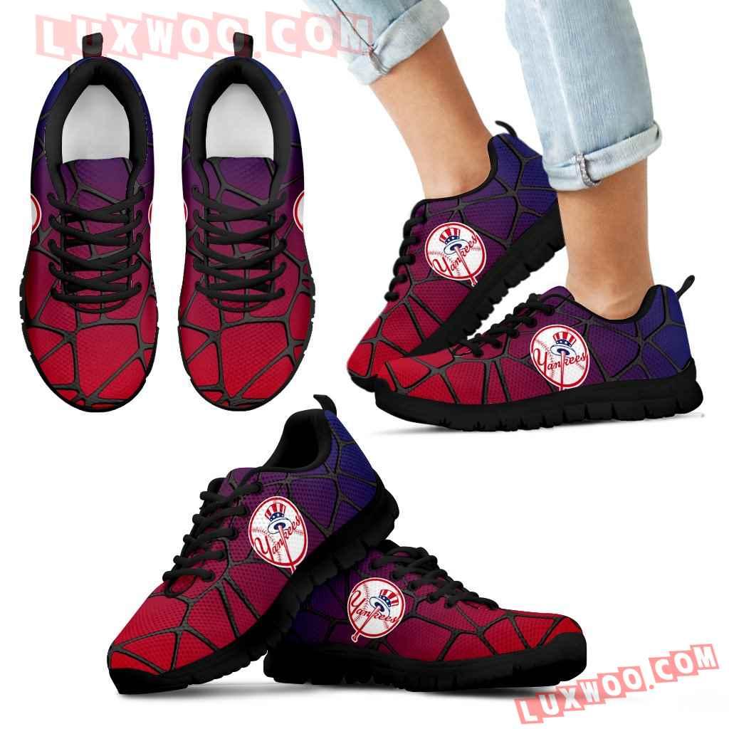 Colors Air Cushion New York Yankees Gradient Sneakers