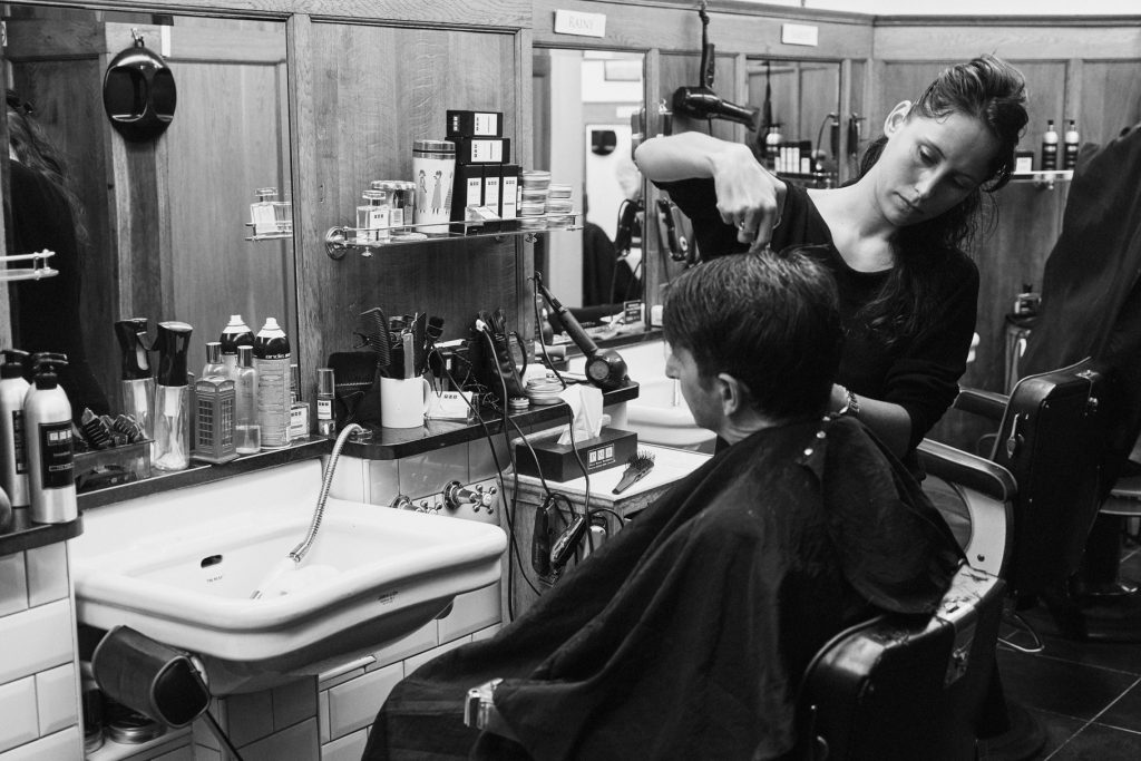 Best barbers in New York providing a long hair style