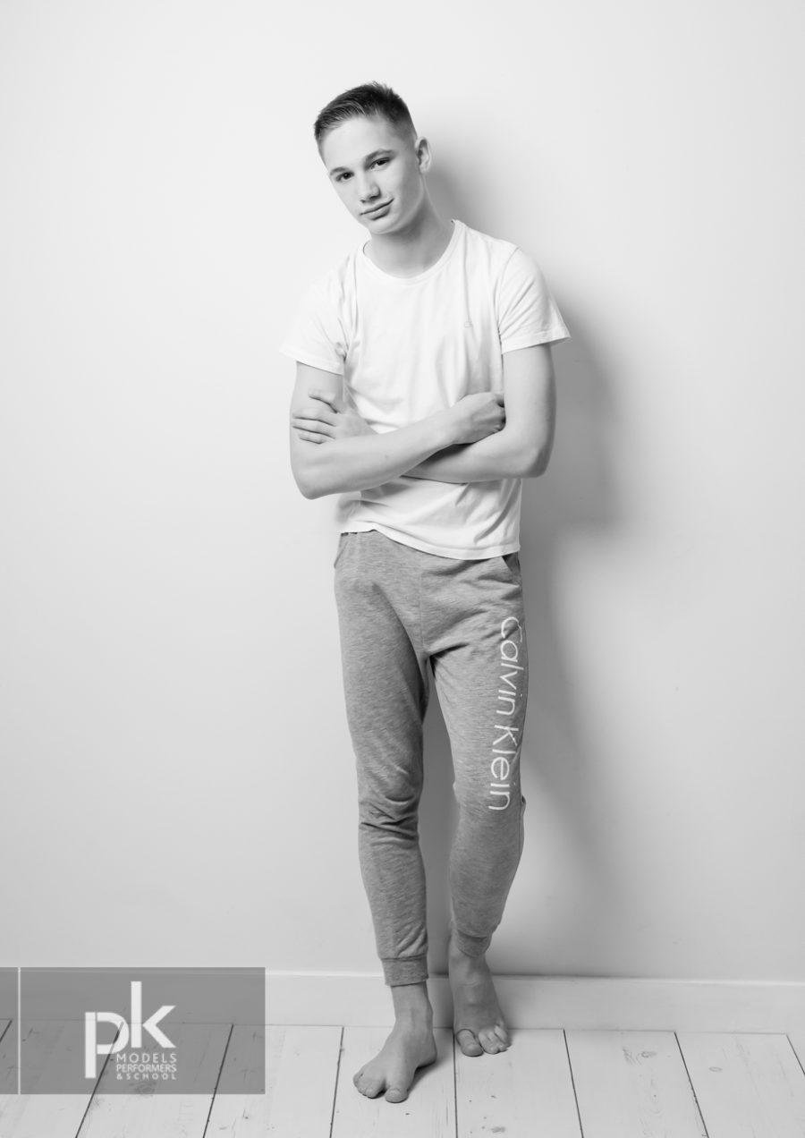 James Performer-Dec-4