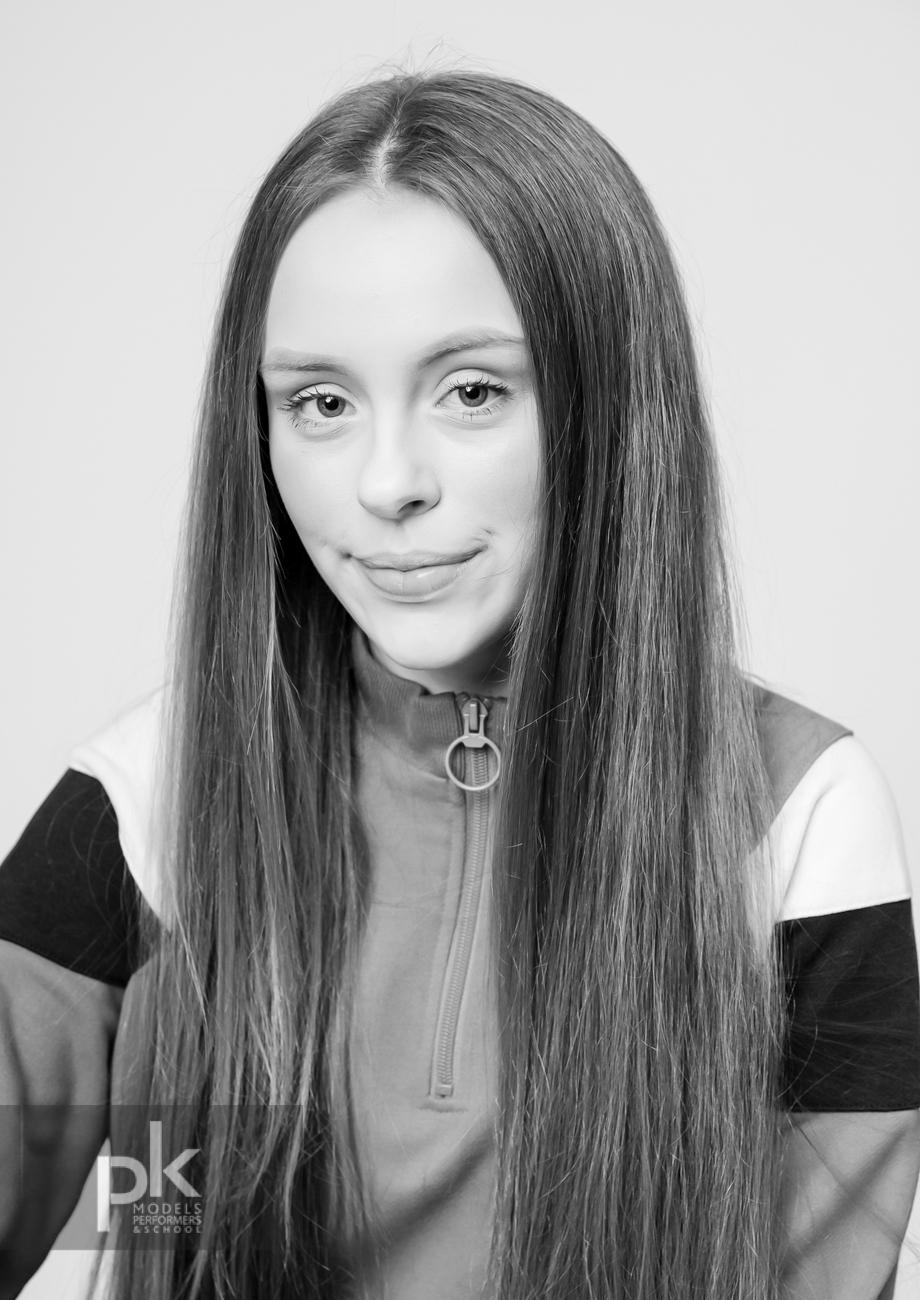 Olivia-Performer-Dec-1