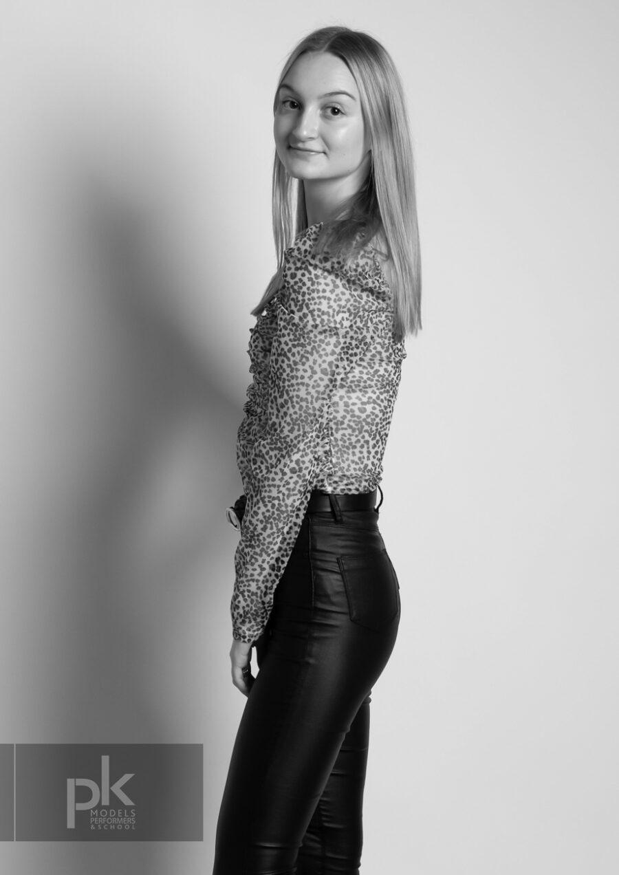 Lauren-Performer-December-5