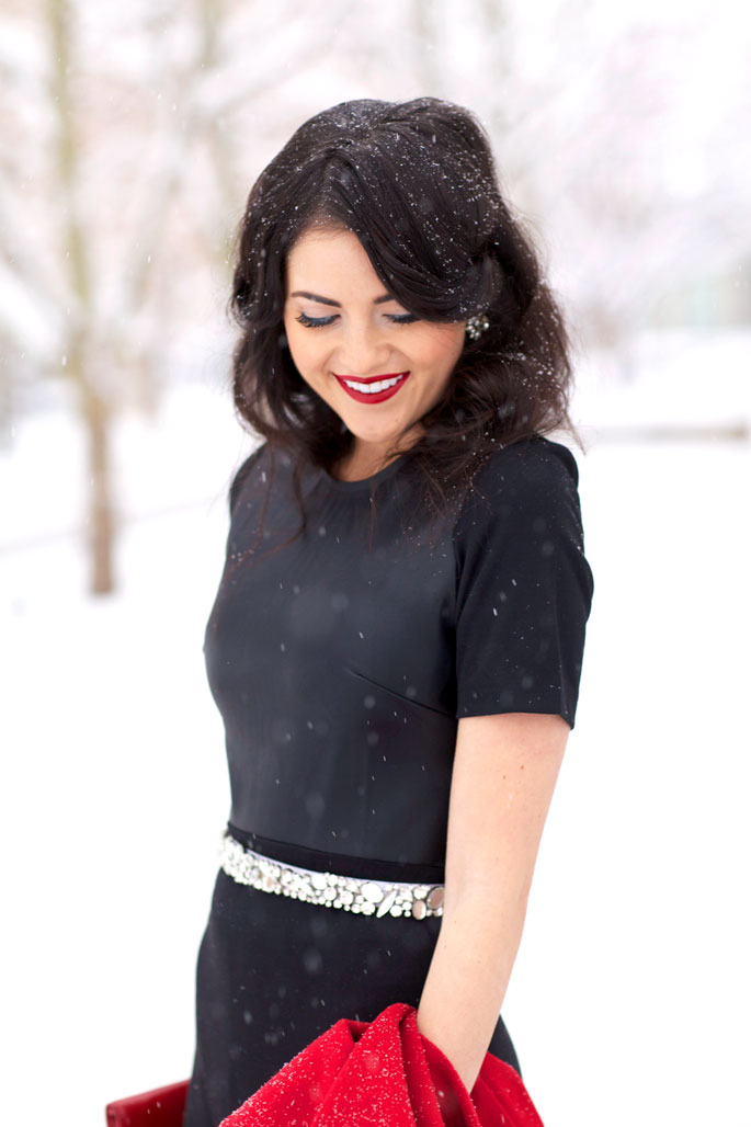 winter-wonderland-holiday-look-red-lips