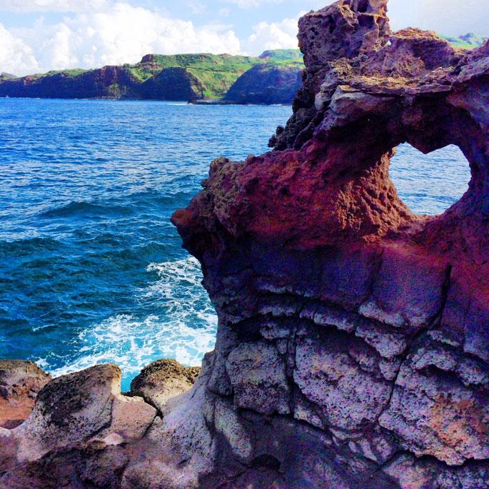 heart-rock-maui-hawaii-pink-peonies