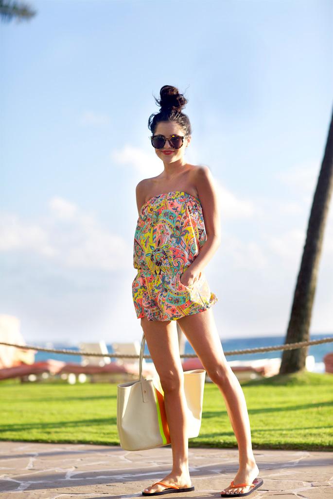 tropical-hawaii-beach-look