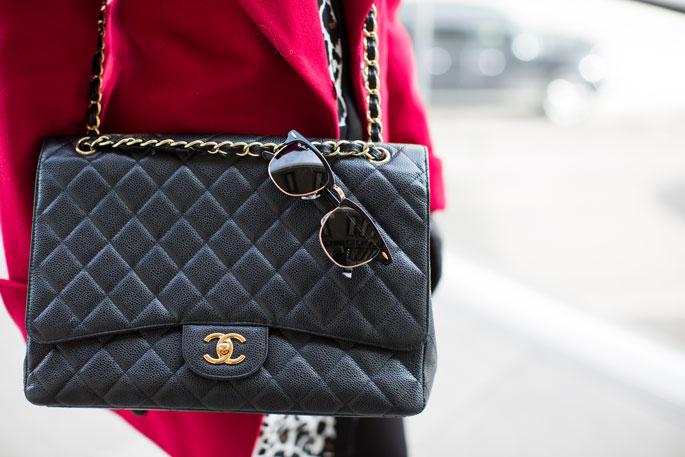 vintage-black-and-gold-chanel-bag