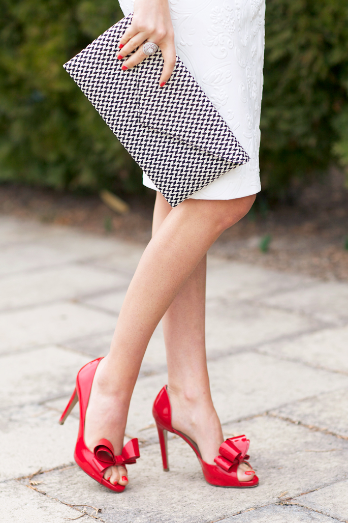 red-bow-valentino-pumps