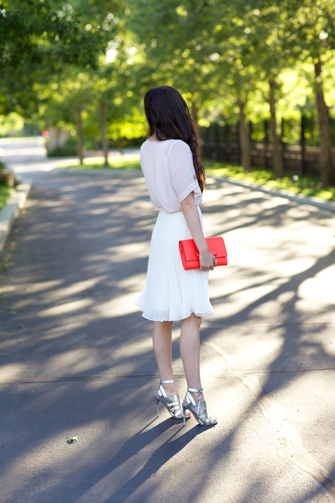 white-knee-length-pleated-skirt