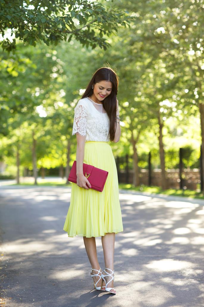 yellow-pleated-midi-skirt