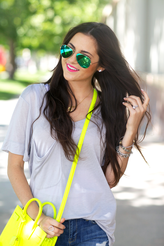 green-mirrored-ray-ban-aviators