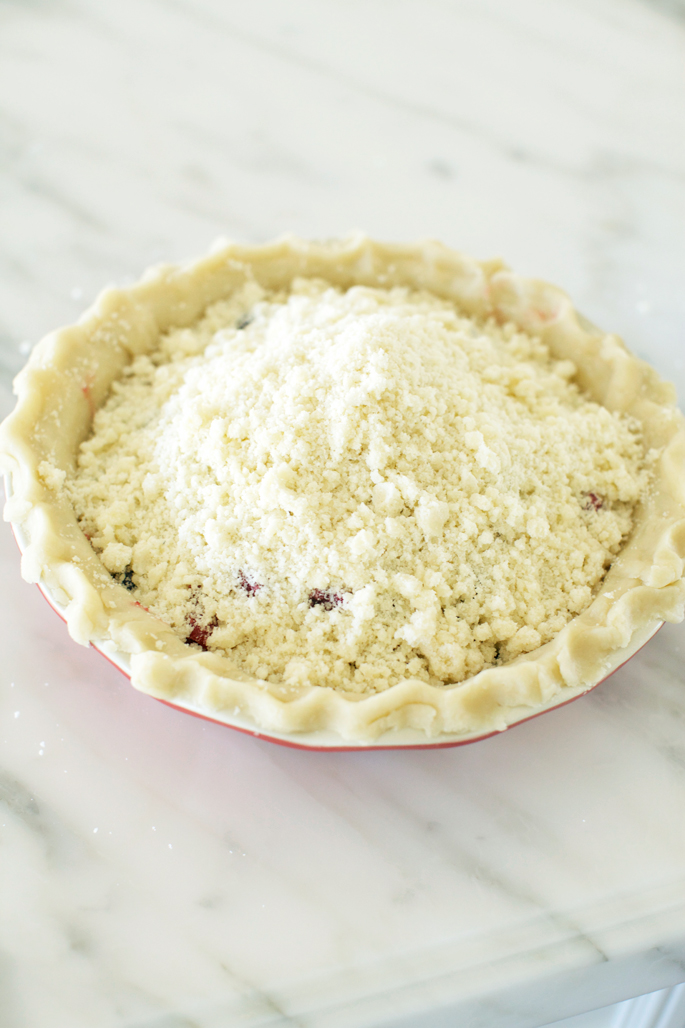 triple-berry-crumble-pie
