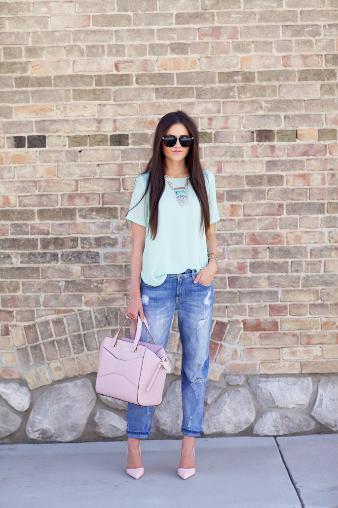 distressed-boyfriend-jeans