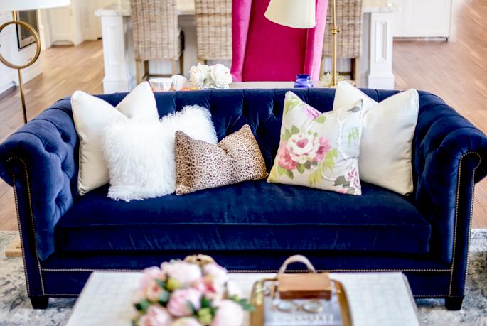 navy-velvet-tuffted-sofa