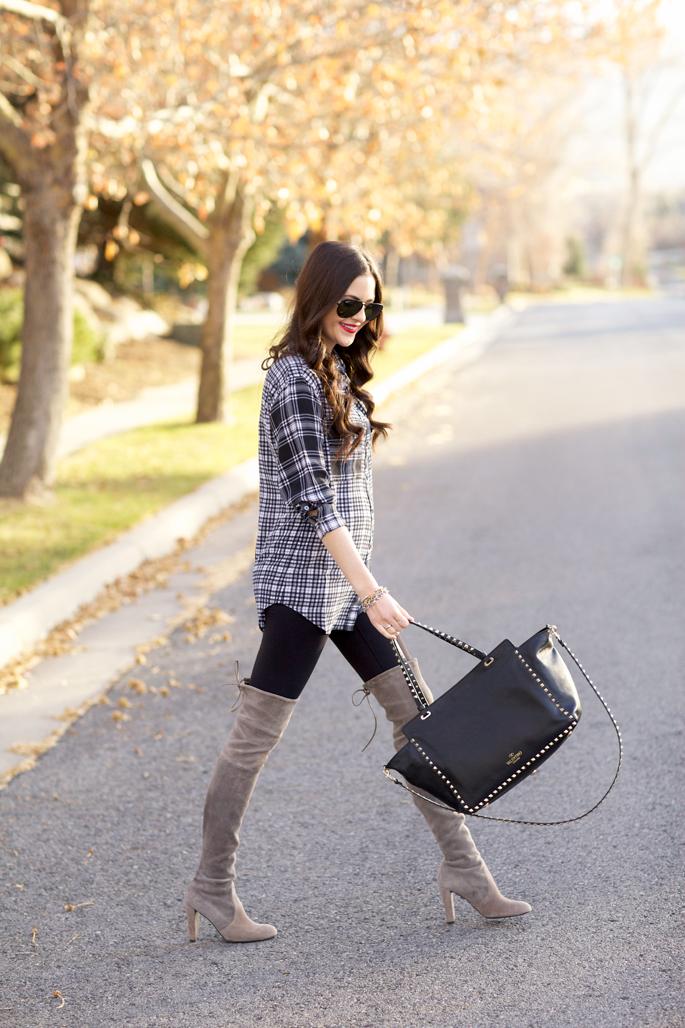 black-rockstud-valentino-handbag