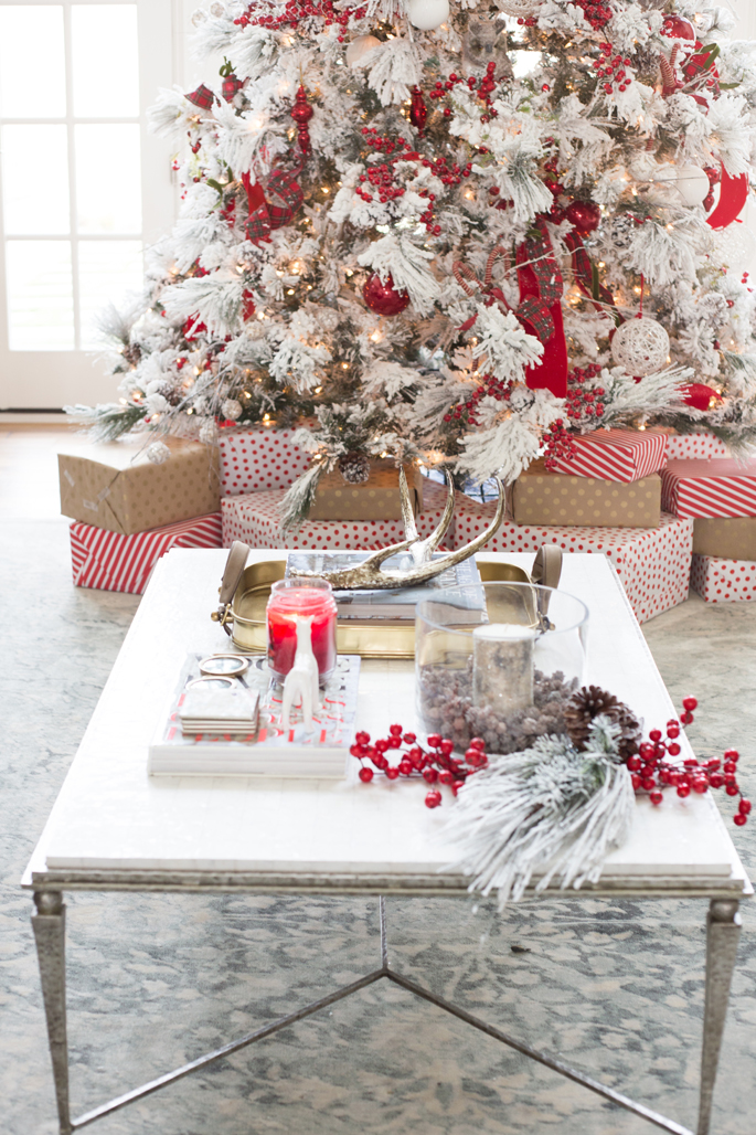 christmas-time-coffee-table