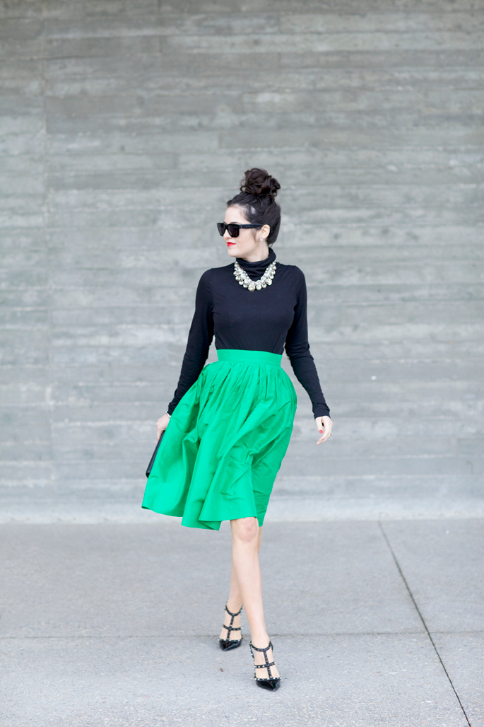 kelly-green-skirt