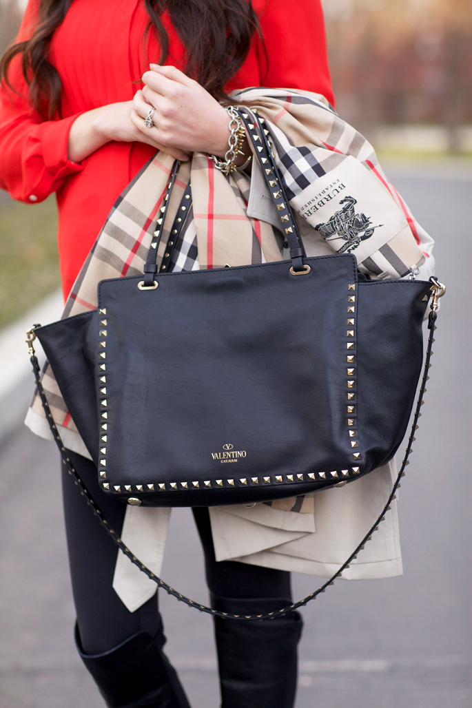 valentino-rockstud-double-handle-tote