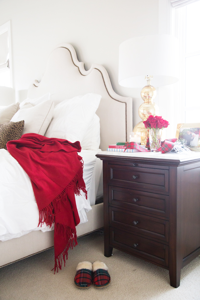 williams-sonoma-red-cashmere-throw