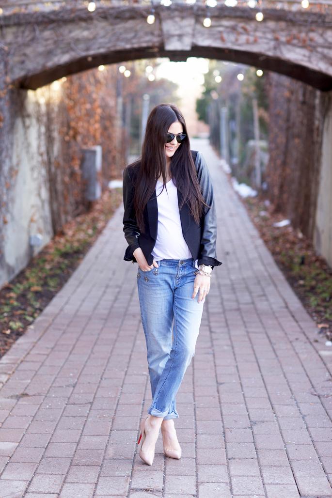 light-wash-denim-boyfriend-jeans