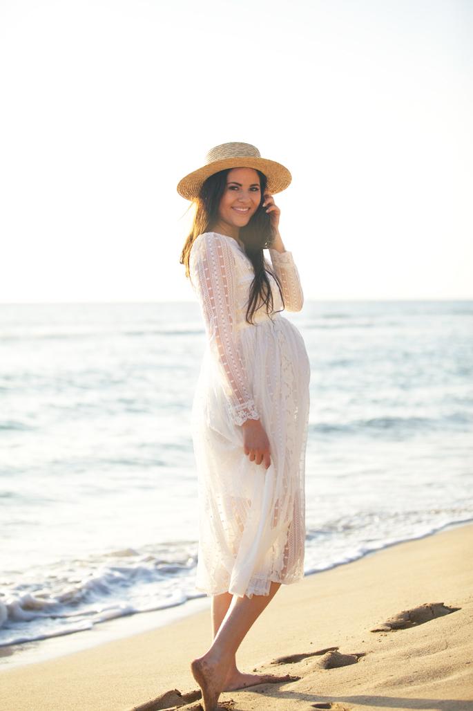 maternity-beach-photo-shoot