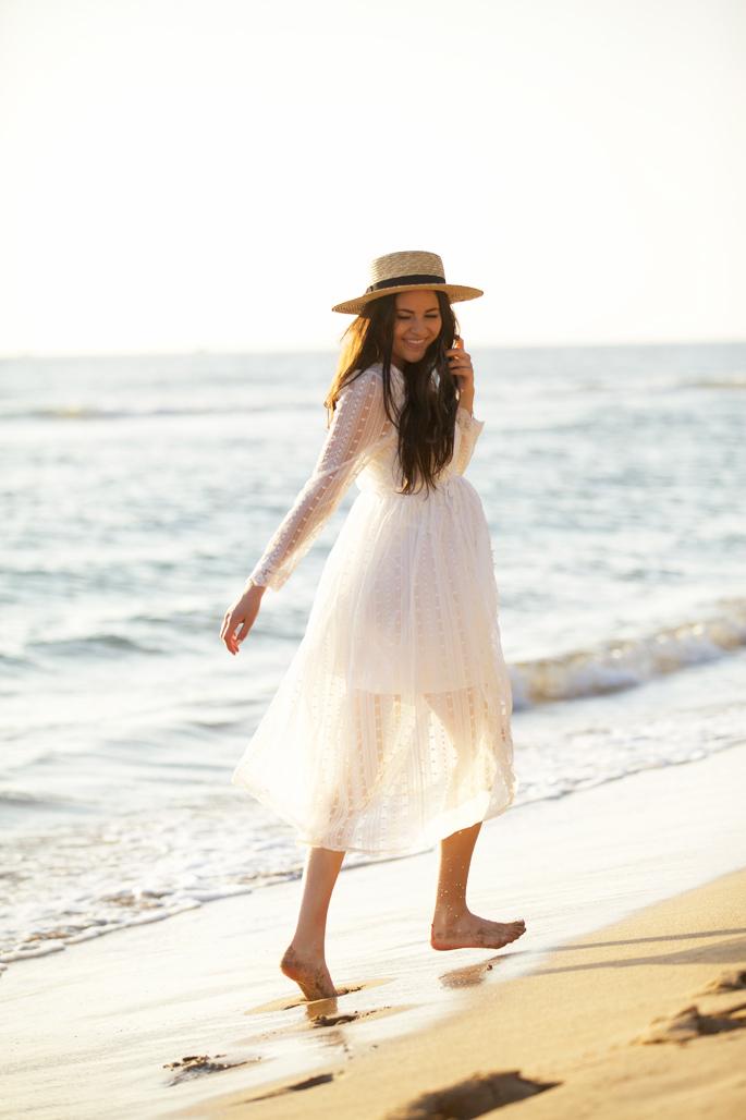 white-lace-summer-maternity-dress