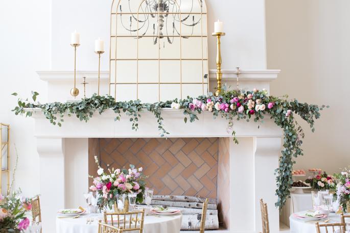 floral-garland-mantle