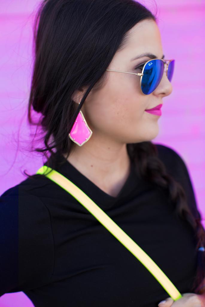 hot-pink-kendra-scott-earrings