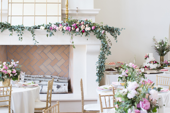 mantel-fire-place-floral-garland