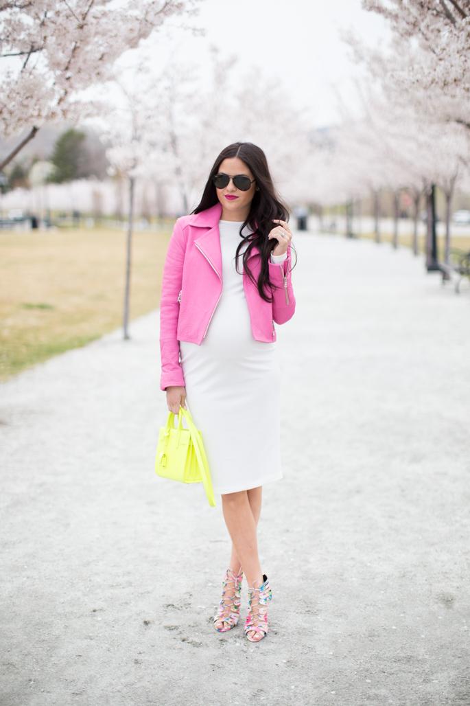 pink-peonies-pregnancy-style