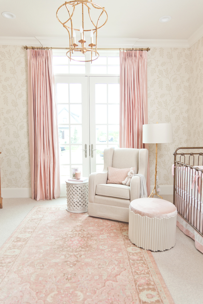 soft-pink-baby-girl-nursery-ideas