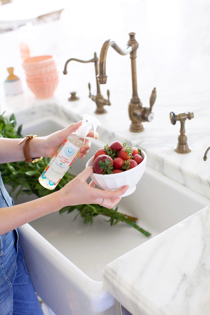 honest-cleaning-products-fruit-cleaner