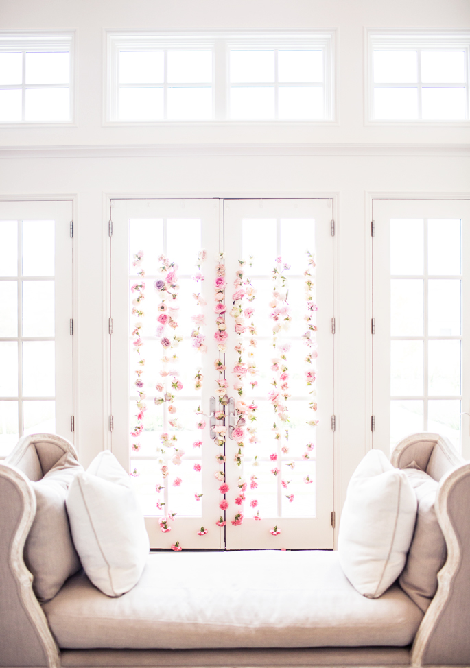 floral-wall-fishing-line-flowers-wedding