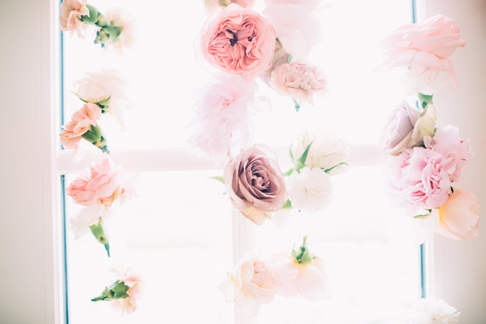 floral-wall-hanging-flowers