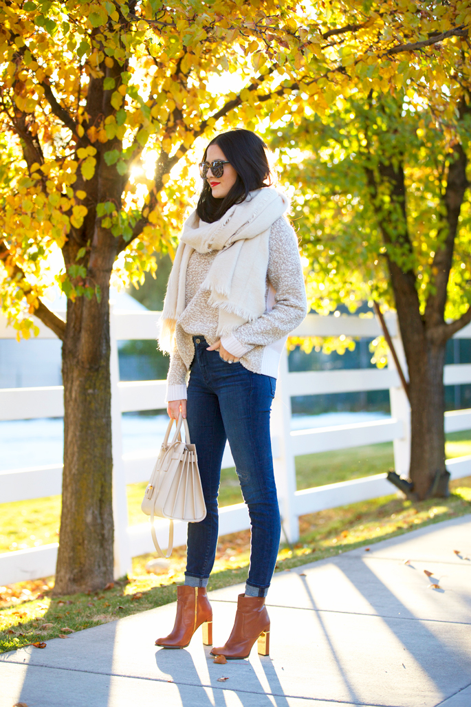 fall-time-outfits-scarf-and-booties