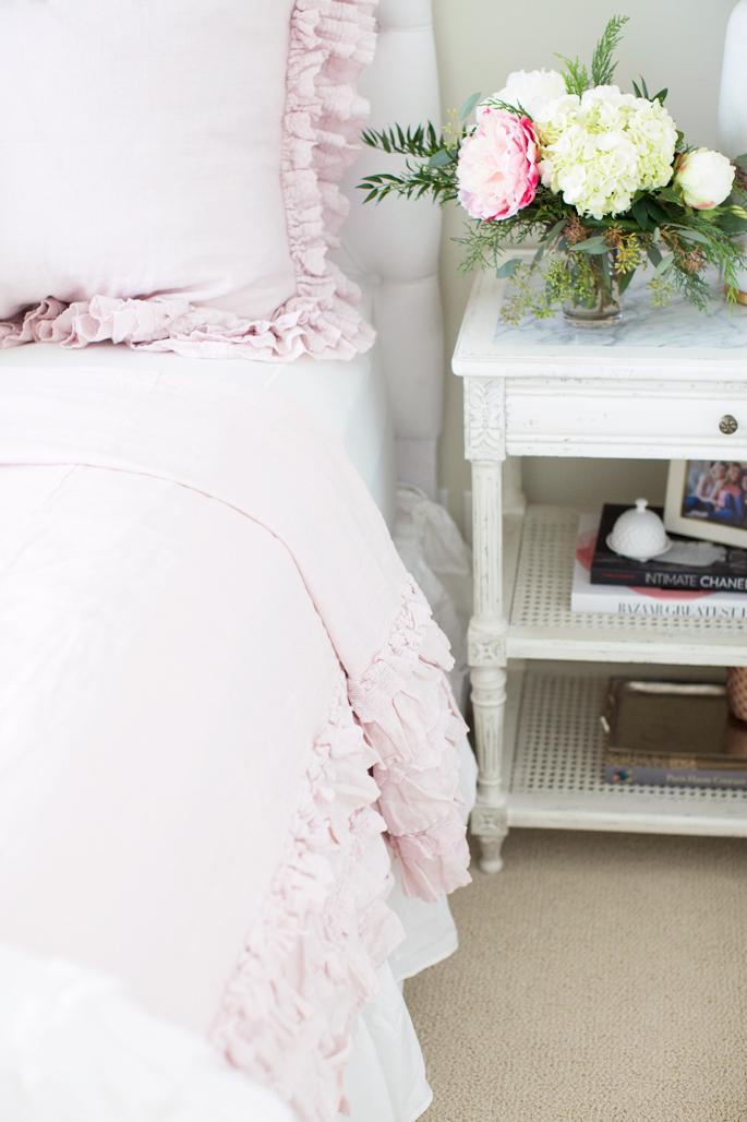 bedroom-inspo-blush-pink-bedding