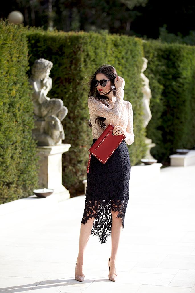 black-lace-skirt