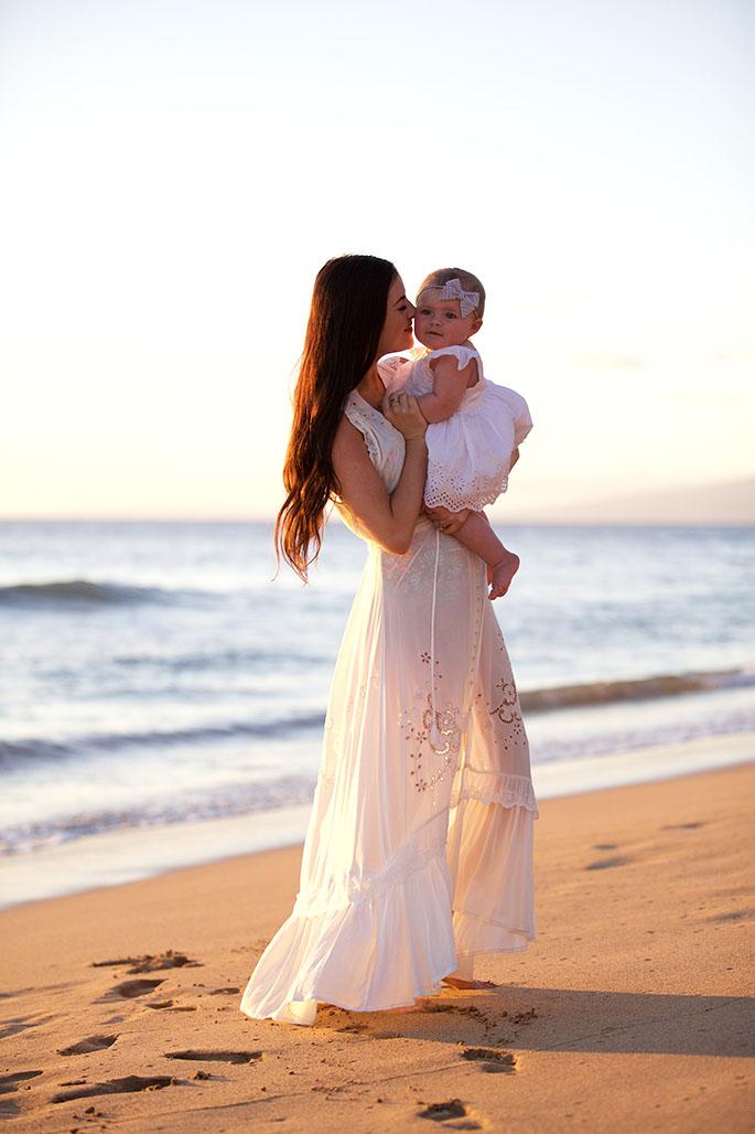 sunset-photos-on-beach-white-dress