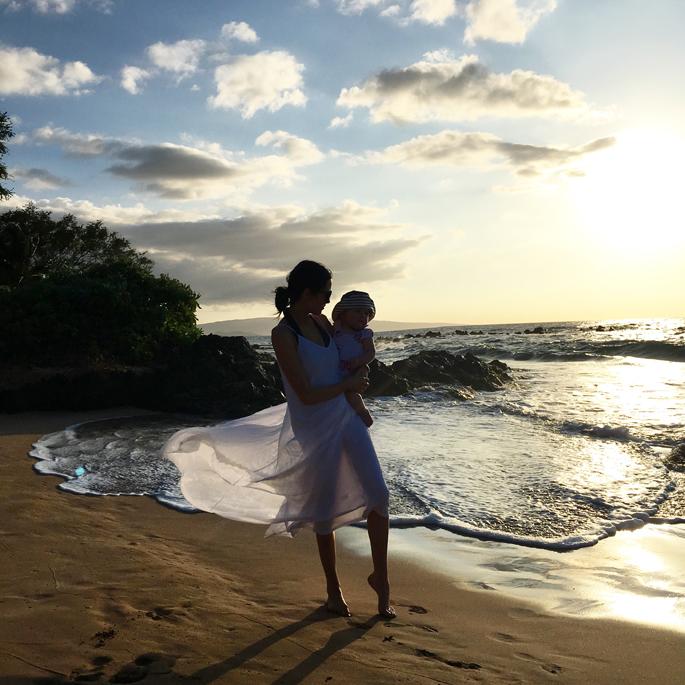 white-beach-dress-maui-hawaii