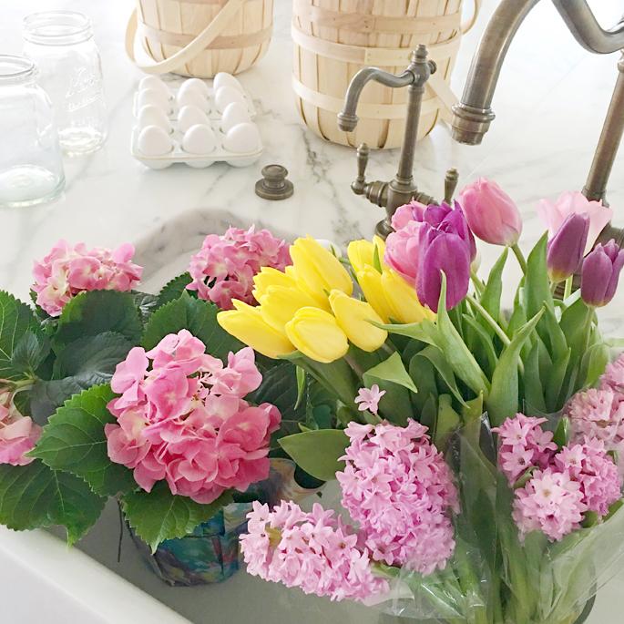spring-flowers-in-farm-sink