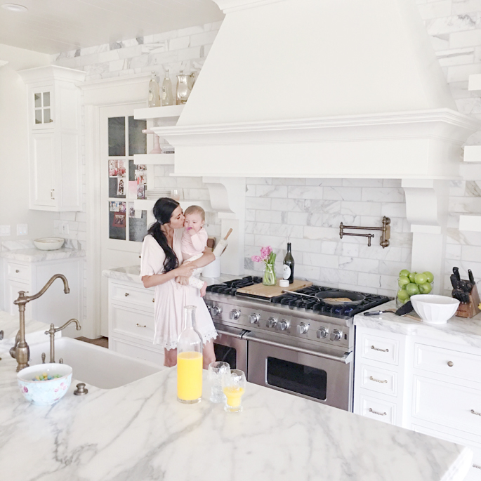 white-marble-kitchen