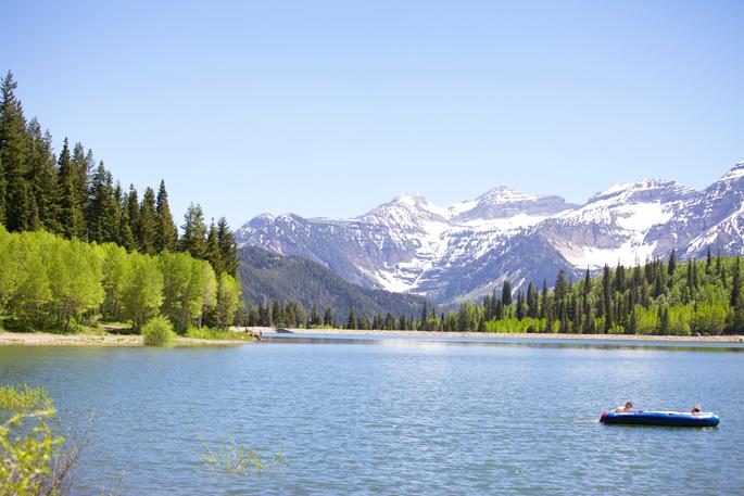 utah-mountains-hiking-lakes