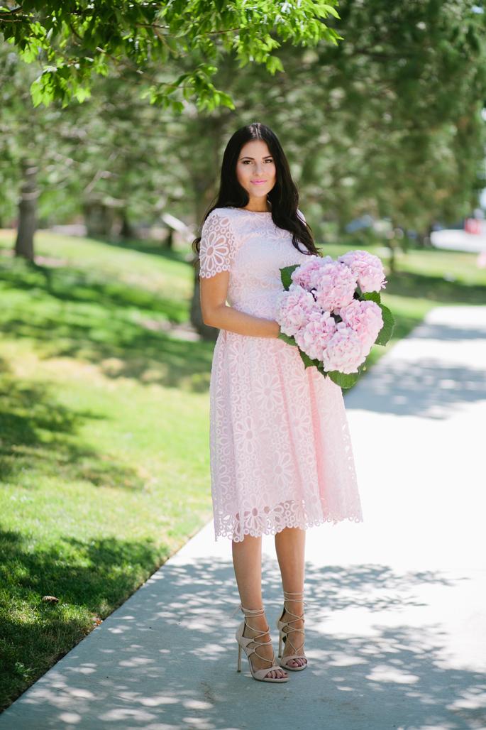 rachel-parcell-lace-dress-1
