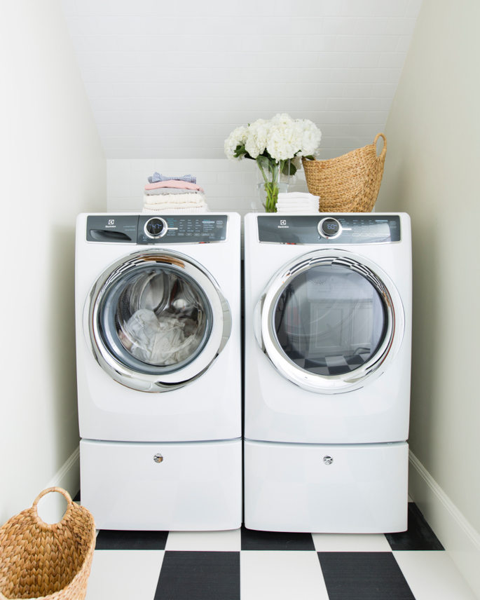 white-laundry-room-marble-ideas - 1