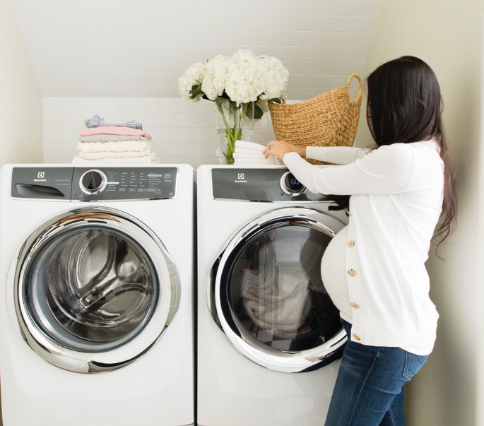white-laundry-room-marble-ideas - 7