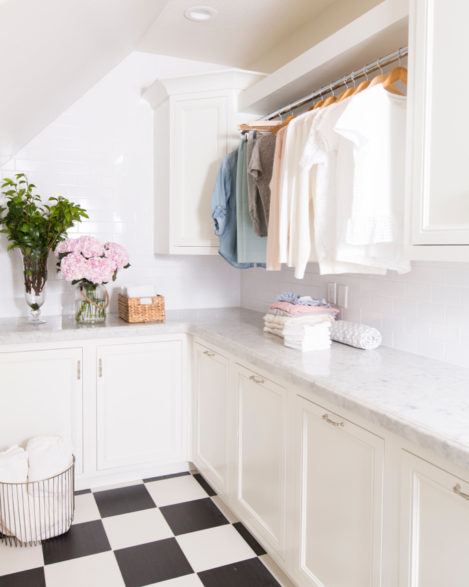 white-laundry-room-marble-ideas - 8