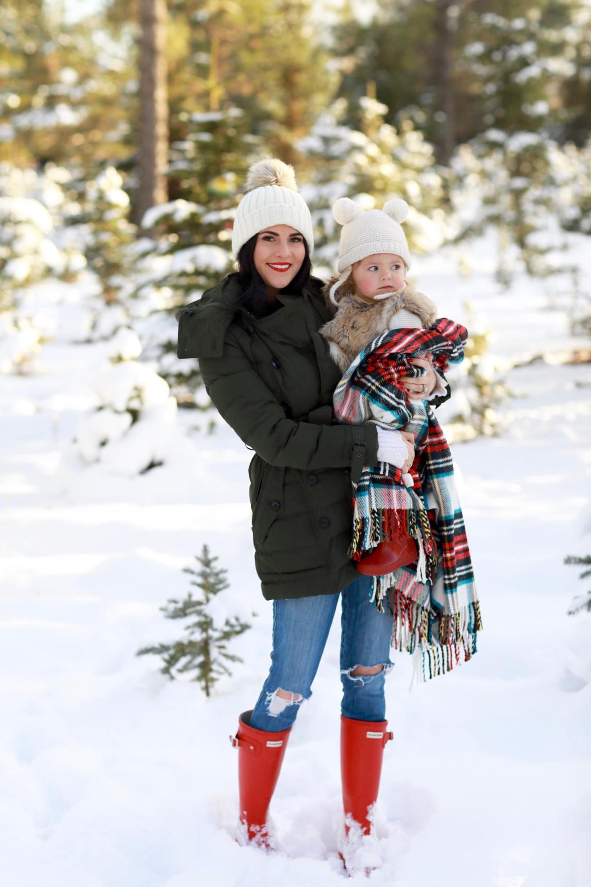 family-photos-christmas-tree-farm-red-hunters-1