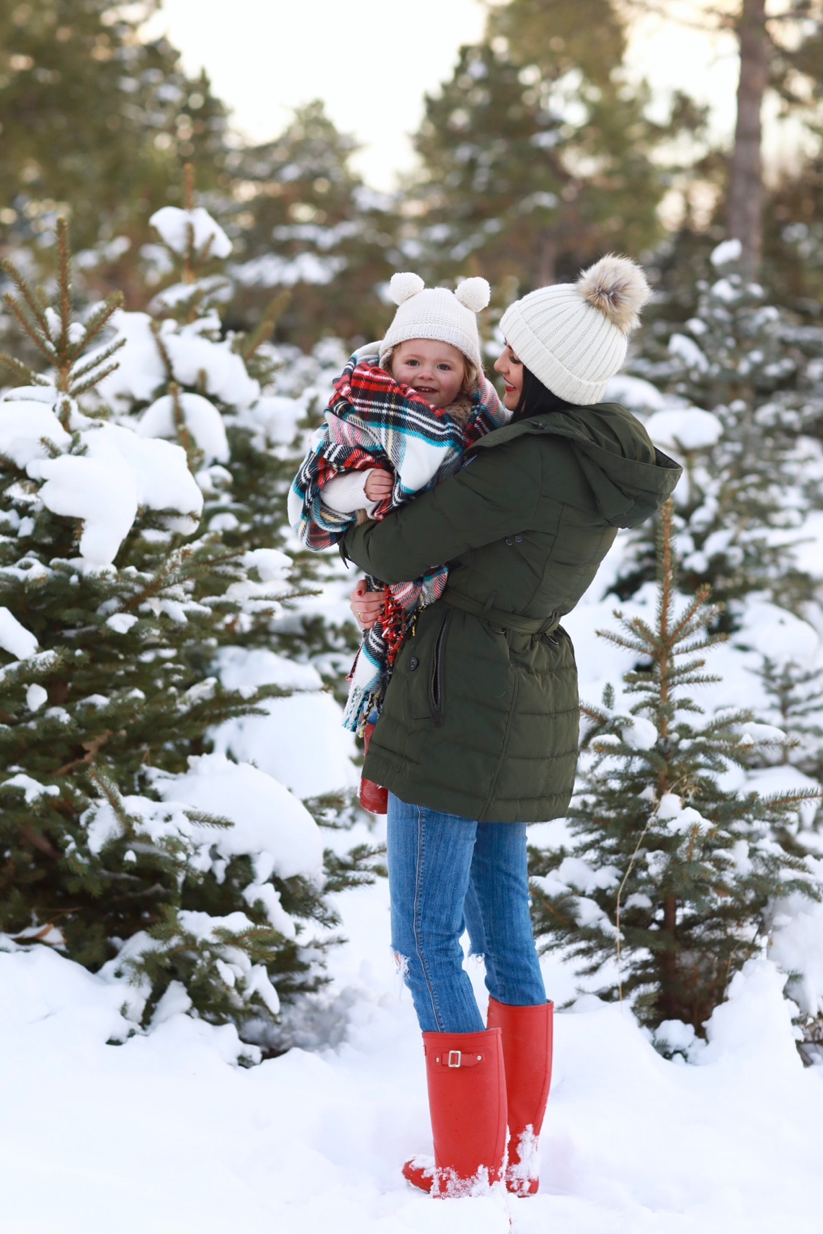 family-photos-christmas-tree-farm-red-hunters-8