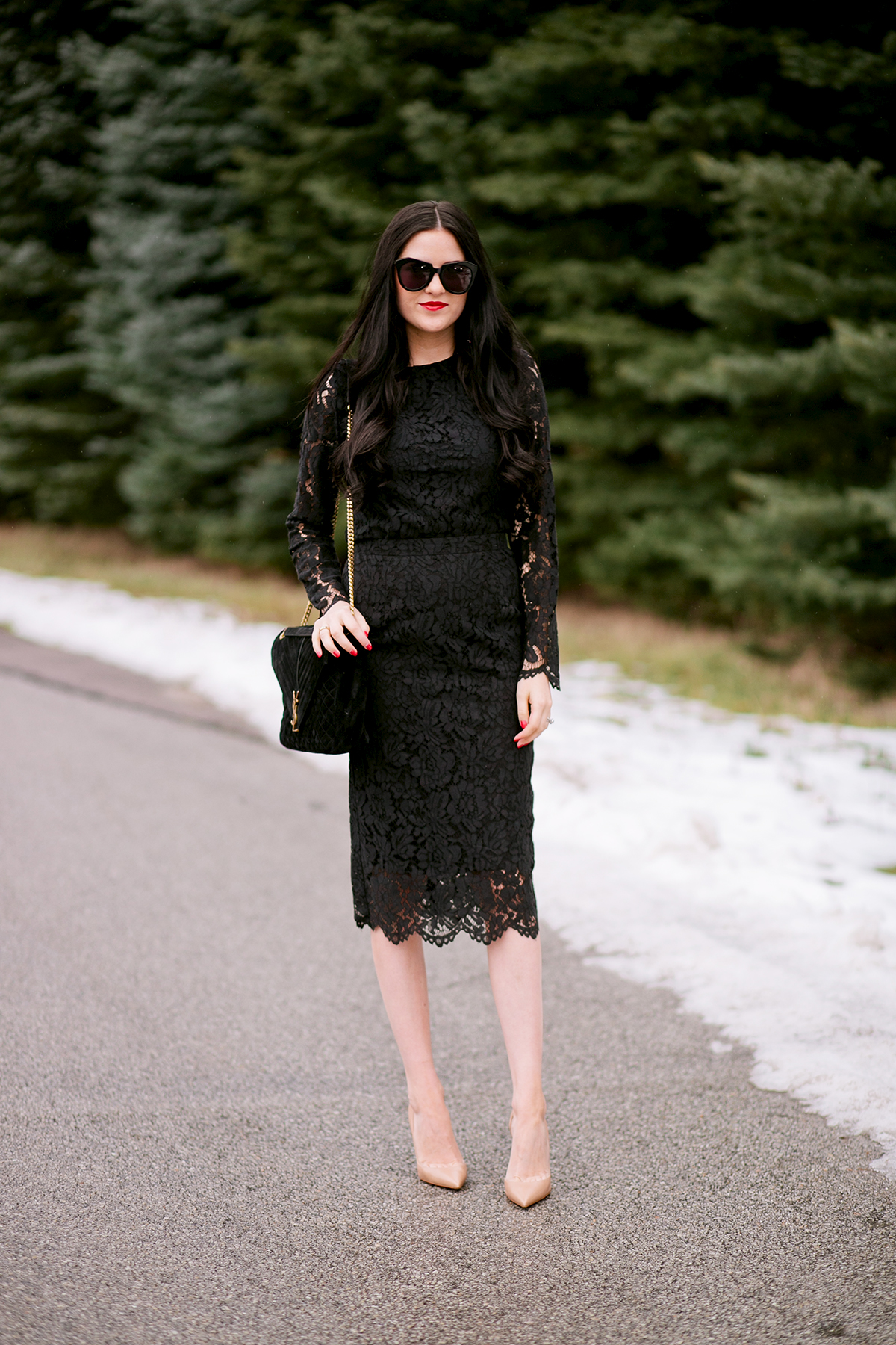 rachel-parcell-black-lace-dress