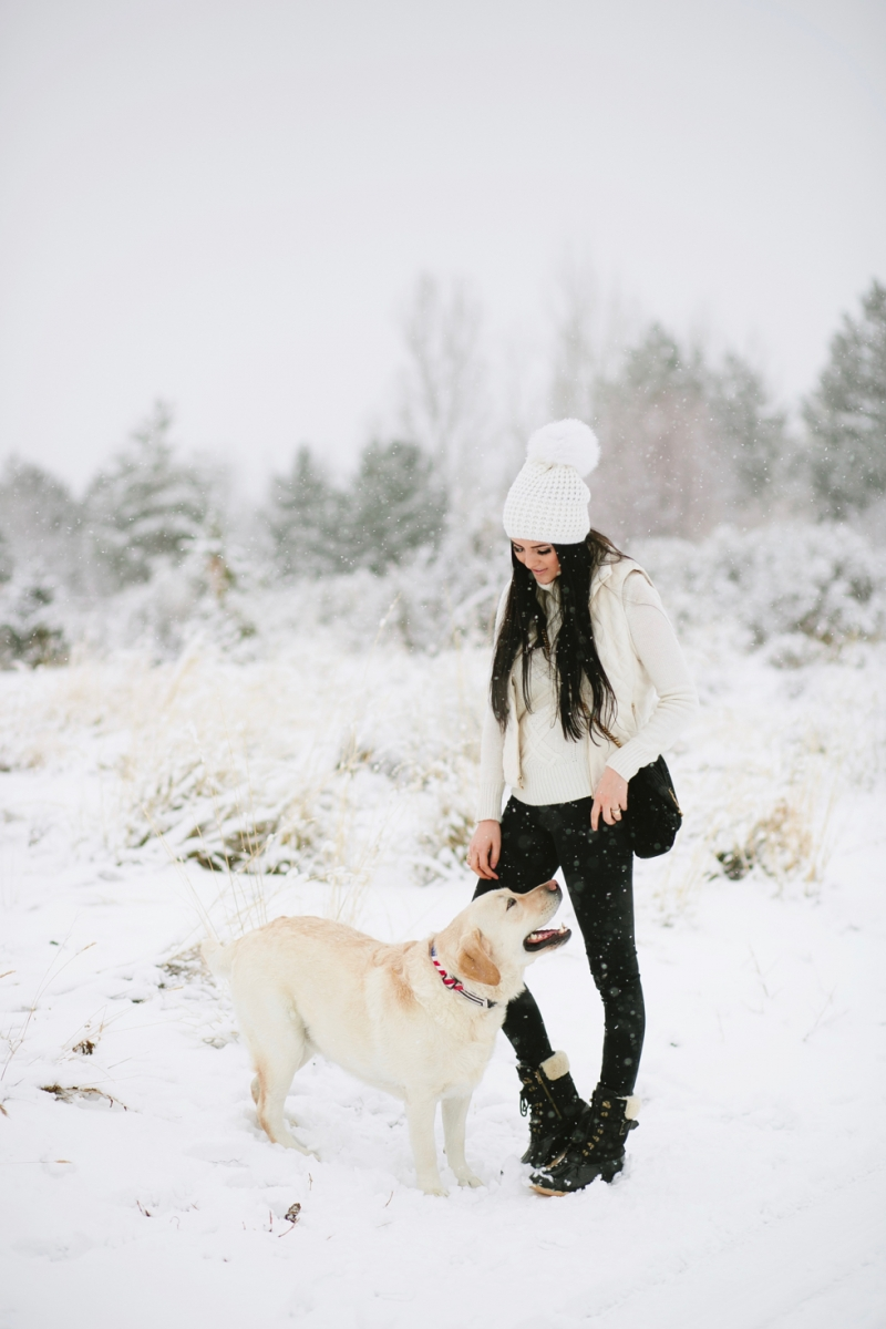 womens-fashion-winter-outfit-ideas-snow-day - 2