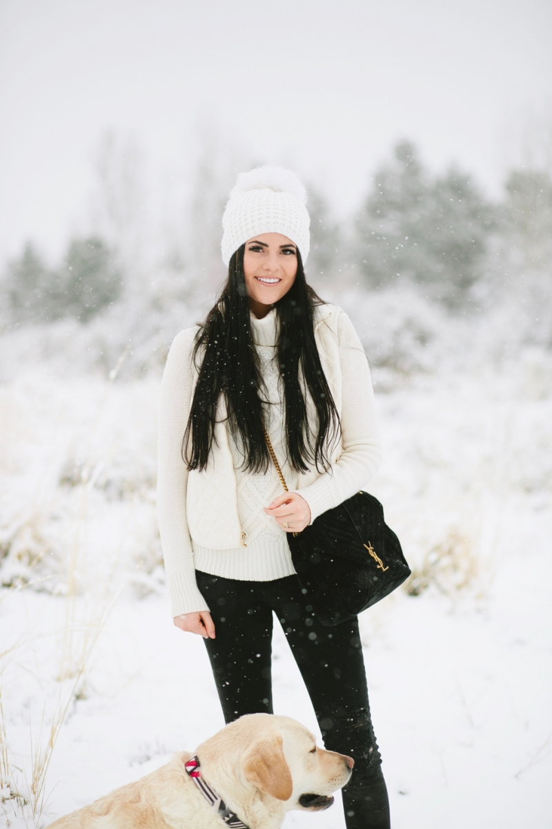 womens-fashion-winter-outfit-ideas-snow-day - 5